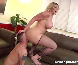 Big Ass Pussy Eating Videos